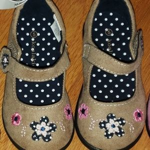 NEW Toddler Tan Suede Shoes - size 5